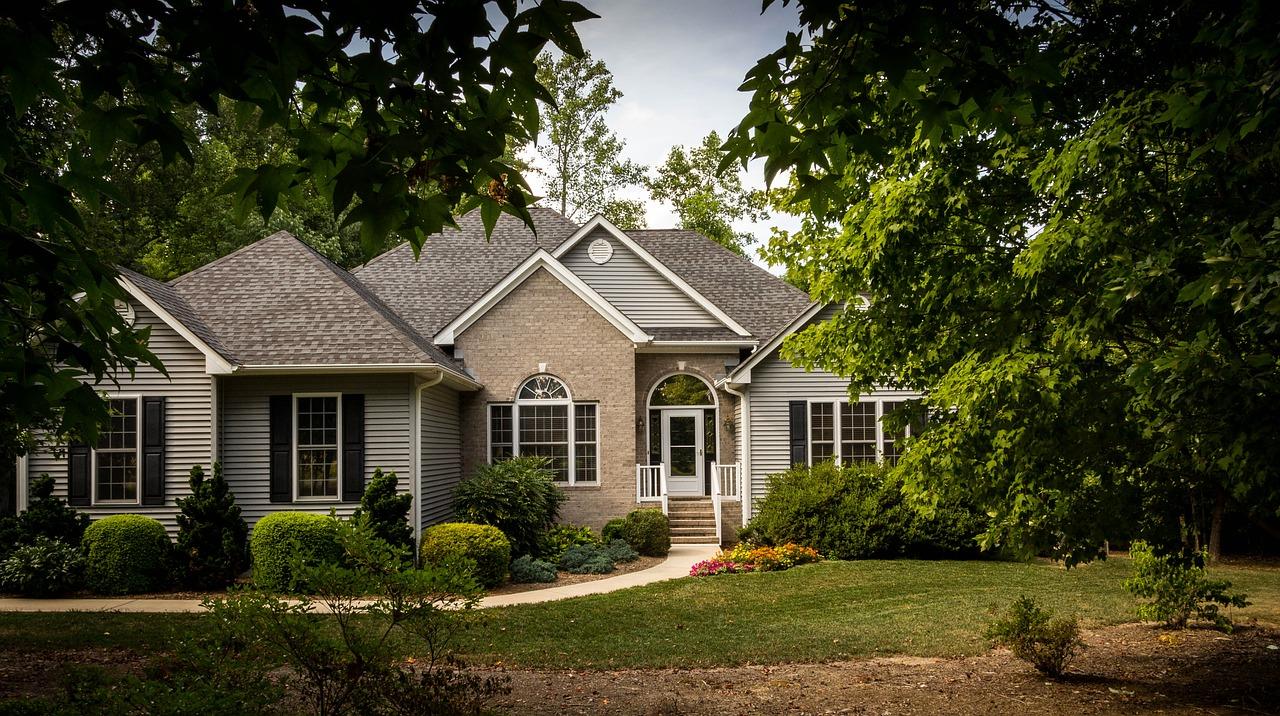 domy na sprzedaż i mieszkania na sprzedaż